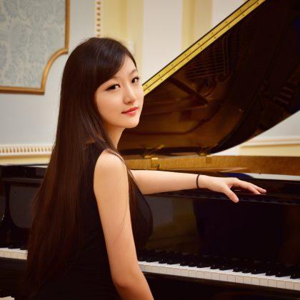Haiou Zhang präsentiert Sunny Li