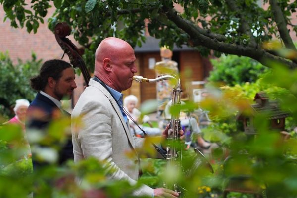 Hofkonzert in City Park Residenz LGH mit S. Abel & P. Schwebs 16.06.20